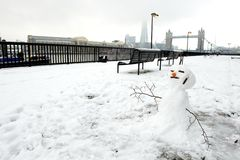 Bonhomme de neige et passerelle de tour, Londres, R-U Photo stock