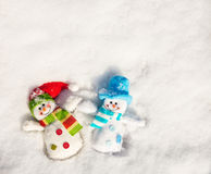 Bonhomme de neige sur la neige Photo libre de droits