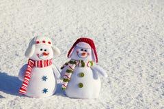 Bonhomme de neige sur la neige Images stock