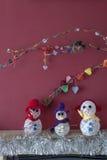 Bonhommes de neige de cheminée de métiers de décorations de Noël Image stock