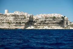 Bonifacio市和峭壁,可西嘉岛海岛,法国 免版税库存图片