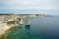 在Bonifacio附近的海岸 图库摄影