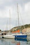 现代游艇在Bonifacio港口 库存图片
