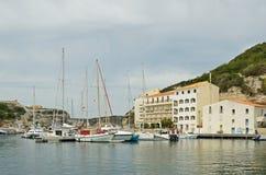 沿海城市Bonifacio在地中海海岛可西嘉岛 图库摄影