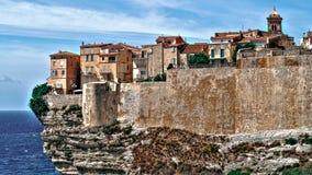Bonifacio Corsica, stad op de rotsen stock afbeeldingen