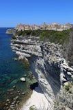Bonifacio, miasto budujący na białych falezach obrazy royalty free