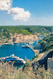 Bonifacio - Picturesquehuvudstad av Korsika, Frankrike Arkivbild