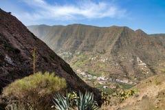 Bonita vista durante un alza al valle de Hermigua, la Gomera foto de archivo