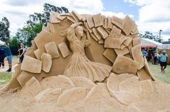 ` Bonito dos soldados do cartão do ` da escultura da areia na exposição do país das maravilhas, em Blacktown Showground fotos de stock