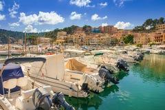 Bonito Porto de Soller em Mallorca fotografia de stock royalty free
