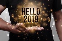 Bonjour 2019 avec la main images libres de droits