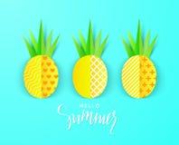 Bonjour bannière d'été avec les ananas de papier doux sur le fond bleu Illustration de vecteur Photo stock