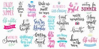 Bonjour ensemble de typographie de lettrage d'été grand illustration libre de droits