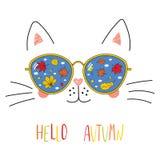 Bonjour lettrage d'automne avec le chat en verres Photos libres de droits