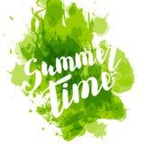 Bonjour lettrage de main coloré par vert d'été Images libres de droits