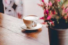 Bonjour pendant le matin avec du café aromatique d'amour du café I j'aime t Photo stock