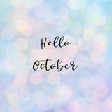 Bonjour texte d'octobre avec la lumière de bokeh Image libre de droits