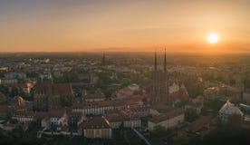 Bonjour Wroclaw ! Vue aérienne sur Ostrow Tumski images stock