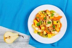 Bonkrety, kiwi, moreli, mango i brzoskwini sałatka, Zdjęcia Royalty Free