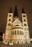 Bonn Minster la nuit (Allemagne) Photographie stock libre de droits