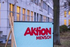 Bonn, Noordrijn-Westfalen/Duitsland - 28 10 18: de aktion mensch bouw in Bonn Duitsland royalty-vrije stock foto's