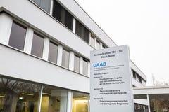 Bonn, Rin-Westfalia del norte/Alemania - 28 11 18: edificio del daad y firmar adentro Bonn Alemania imagen de archivo libre de regalías