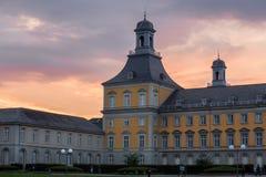 Bonn Tyskland universitetbyggnad i aftonen Fotografering för Bildbyråer