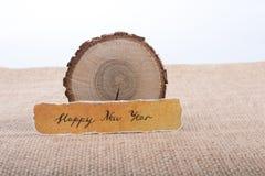 Bonne année écrite sur un papier déchiré Image libre de droits
