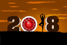 Bonne année 2018 avec du yoga d'exercice de fille d'horloge image libre de droits