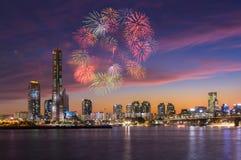 Bonne année et Fireworksl, ville de Séoul, Corée du Sud Image stock