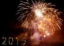 Bonne année 2015 - feu d'artifice par nuit Images libres de droits