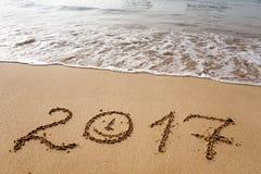Bonne année 2017 sur la plage Photos libres de droits