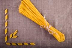 Bonne nourriture présentée sur la table Photos stock