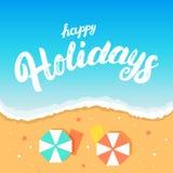 Bonnes fêtes lettrage écrit par main sur le fond de plage Photographie stock libre de droits