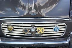 Bonnett y coche del vintage de la parrilla Fotos de archivo libres de regalías