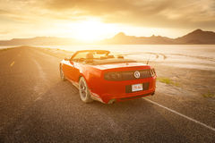 BONNEVILLE, UTAH, DE V.S. 4 JUNI, 2015: Foto van Ford Mustang Con Stock Foto's