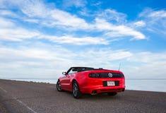 BONNEVILLE, UTAH, LOS E.E.U.U. 4 DE JUNIO DE 2015: Foto de Ford Mustang Con Fotos de archivo libres de regalías