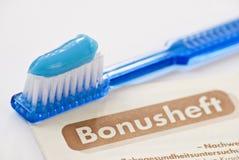 Bonusheft d'Allemand de brosse à dents Images libres de droits