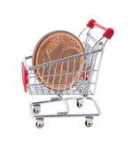 Boodschappenwagentje met euro centmuntstuk Stock Foto