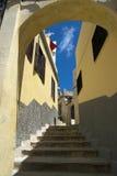 Boog en treden in medina van Tanger in Marokko Royalty-vrije Stock Foto