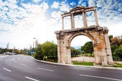 Boog van Hadrian, de weg van Leoforos Vasilisis Amalias Stock Afbeeldingen