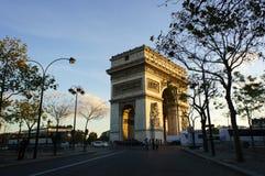 Boog van Triomf in Parijs Stock Afbeelding