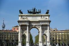 Boog van Vrede van Poort Sempione in Milaan, Italië Stock Afbeeldingen