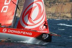 Boogmening van Team Dongfeng die na beginbeen 1 Alicante-Lissabon varen Stock Foto's