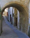 Boogpoorten in hoistorical centrum van Coimbra Stock Afbeeldingen