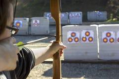 Boogschieten in een het Schieten Waaier Stock Afbeelding