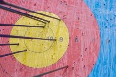 Boogschietendoel met pijlen op het Verschillende 3d bal Royalty-vrije Stock Foto