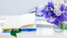 Book and bouquet Royalty Free Stock Photos
