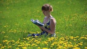 book flickaavläsning lager videofilmer