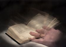 Book (reading in motion) Royalty Free Stock Images